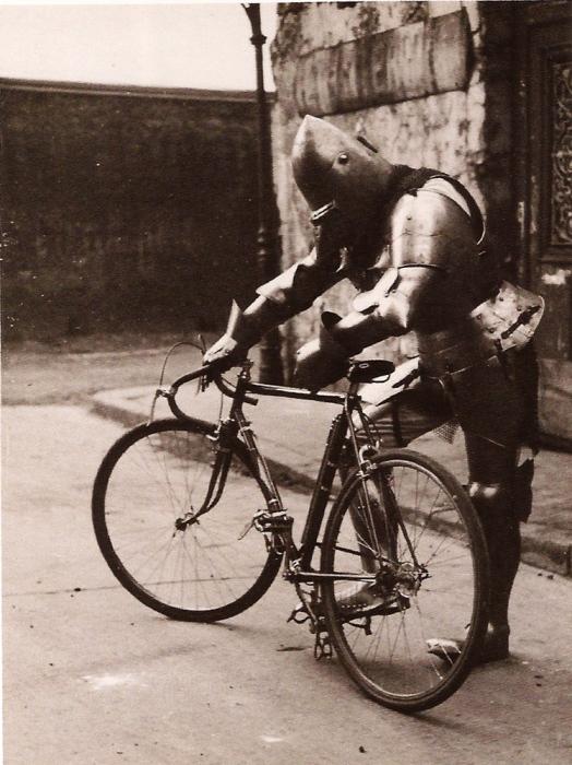 Surrealistas en bicicleta